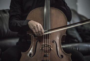 Držim časove violončela